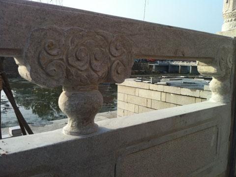 雕刻桥栏板